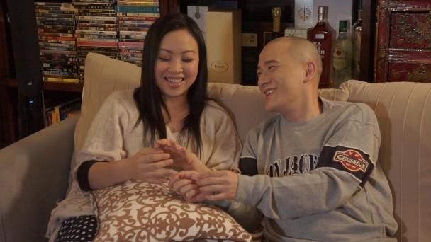 楊詩敏同劉守正喺MV中演繹拍拖13年嘅情侶。